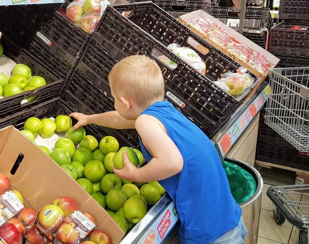 unterm dreck ists sauber mit kind einkaufen
