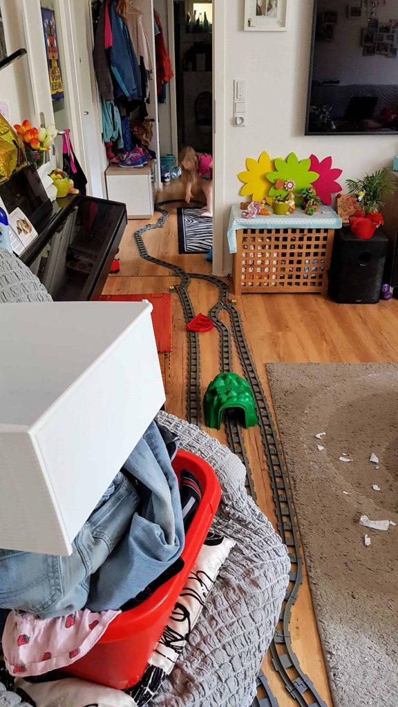 Chaos mit Kindern unterm dreck ists sauber
